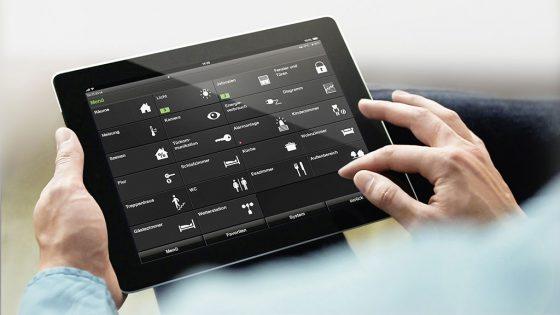 Gebäudesteuerung mit Tablet